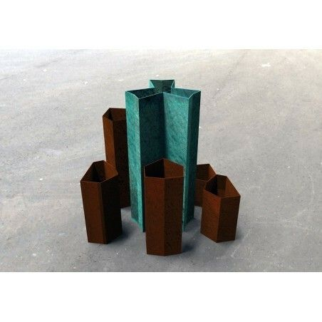 Vasi Minareto design by Valentina De Carolis #design #designer #corten #acciaio #minareto #vases #sideboard #coffetable #valedec #trackdesign #texture #valentinadecarolis #dettagli #designlovers #designers #med #lifestyle #puglia #italia #corten #acciaio #inostriprodotti #interior #design #indoor #inspiration #cortensteel #designer #shoponline #madeinitaly