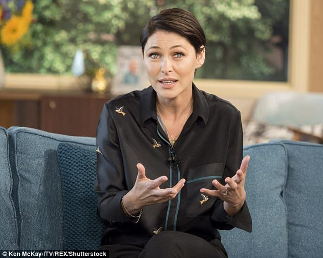 Emma Willis reveals Holly Willoughby made her STAGE DIVE #dailymail