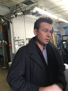 "rileyparra: ""Connor Trinneer is back on set for the final day of Riley Parra filming! ::sniffle:: """