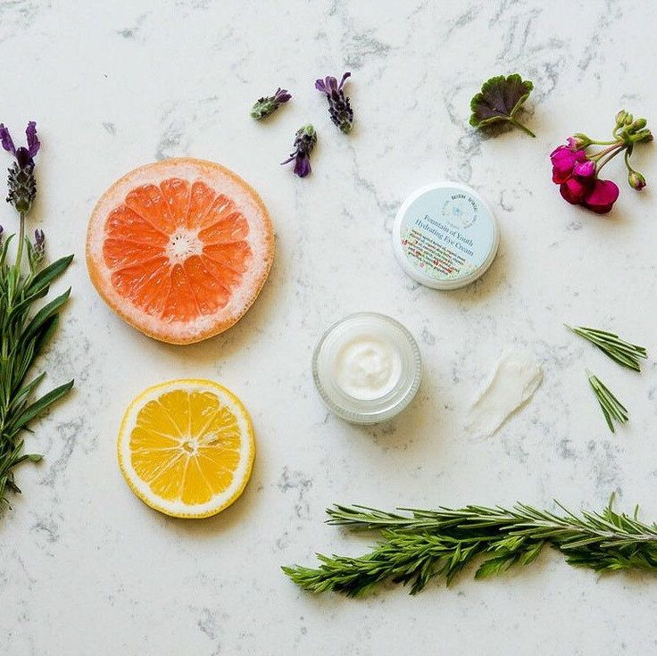 Looking for an organic eye cream that gets rid of puffiness and dark circles? Ours is made in small batches and contains 11 essential oils to keep your eyes youthful and firm!