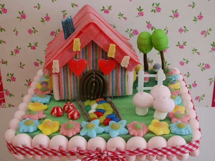 Tarta de chuches - Candy cake - #Casita #House