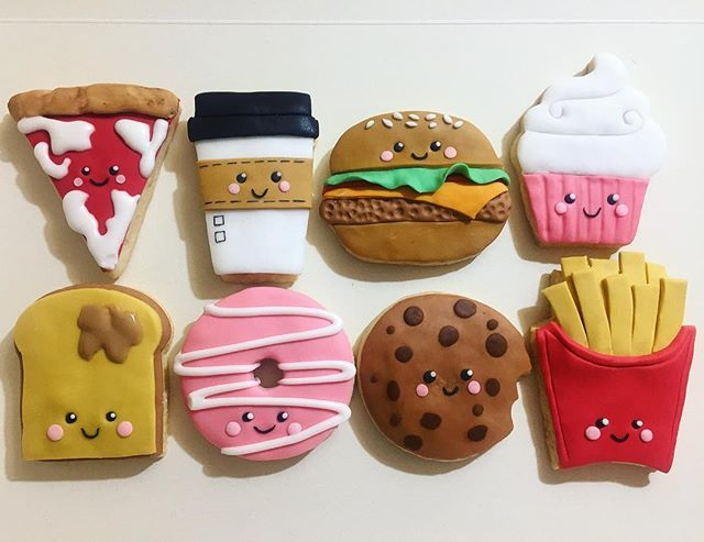 Junk food cookies 🍕🍔🍟🍩🍪 Pag fb: tanto di cupcake  __________________________________________ #tantodicupcake #junkfood #junkfoodjunkie #junkfoodcookie #foodporn #instafood #instafoodporn #cakedesign #cookies #cookie #cookieslover #cakedecorating #junkfoodlover #partyplanner #party #cakedesignitalia #igers #igersroma #cake #pastadizucchero #cakedesigner #frenchfries #donuts #americancoffe #burger #pizza #pizzalover #pizzahut #kawaii