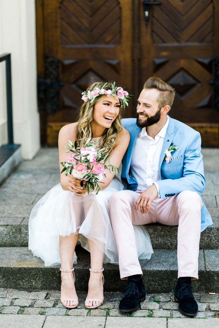 Vera & Stefan: Vintage Love im Schloss WEDDINGPILOTS http://www.hochzeitswahn.de/inspirationen/vera-stefan-vintage-love-im-schloss/ #vintage #wedding #inspo
