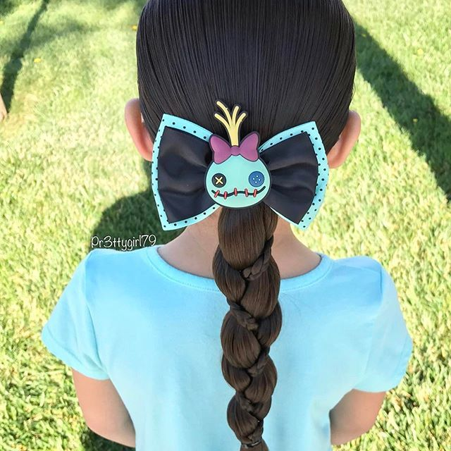 "✨""It's not who you are that holds you back, it's who you think you're not.""✨ . A low ponytail into a loony braid with micro braids from a few weeks back. 🌱 She's wearing a cute Scrump the doll bow from @hottopic . Happy start of the week! 🤖 . #pr3ttyhairstyles #braidsforlittlegirls #braidsforgirls #braids #braidstyles #braided #braidedhair #abc7eyewitness #cghphotofeature #plaits #trenzado #penteado #kidsbraids #behindthechair #peinadosparaniñas #peinado #trenzas #tranças #ponytail…"