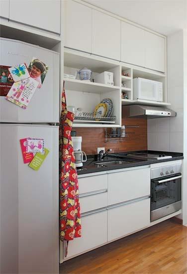 casa-claudia-cozinhas-high-tech-equipadas-aconchegantes_08