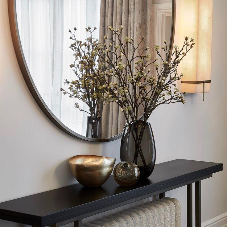 "357 Likes, 1 Comments - Laura Hammett - Interiors (@laurahammett.interiors) on Instagram: ""Console area in the same room #interiorarchitecture #interiordesign #interiorstyling…"""
