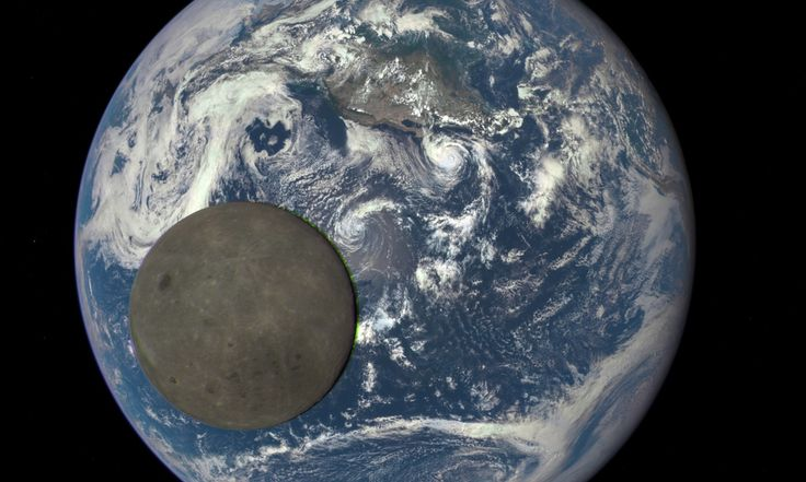 The US space agency has released a picture taken from its Deep Space Climate Observatory showing the moon as it moves in front of the sunlit side of Earth