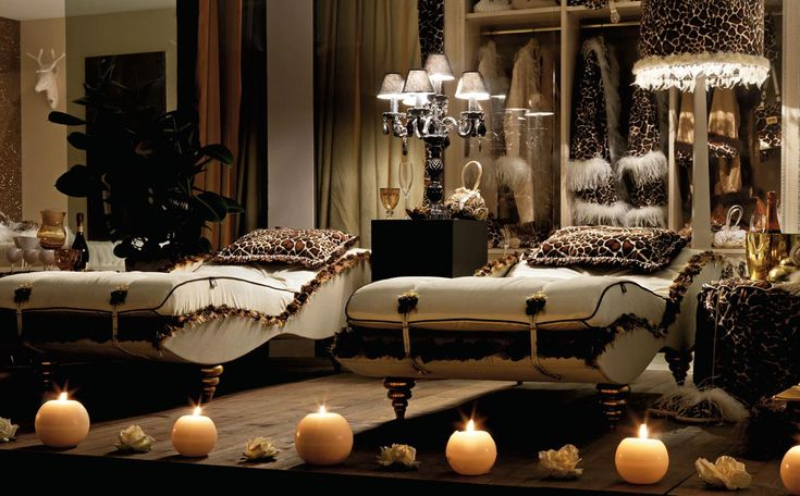 Luxurious-Bedroom-with-Twin-Single-Beds