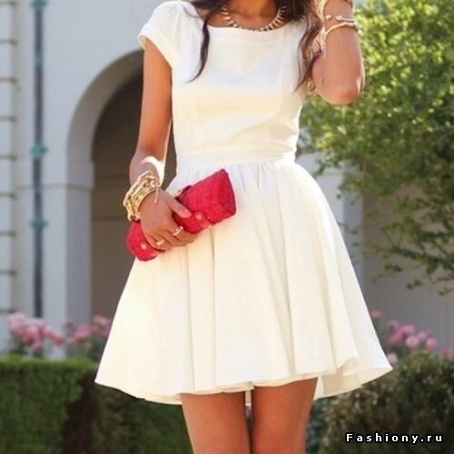 Короткие простые белые платья