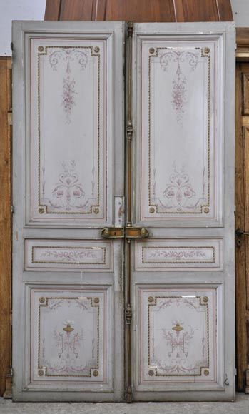 Beautiful antique double door with painted decor on both faces - Doors