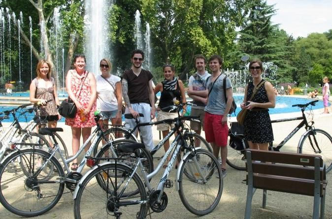 Budapest by Bicycle Small-Group tour with Lunch 2018