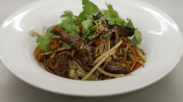 Pittig rundvlees in de wok met rijst | Dagelijkse kost