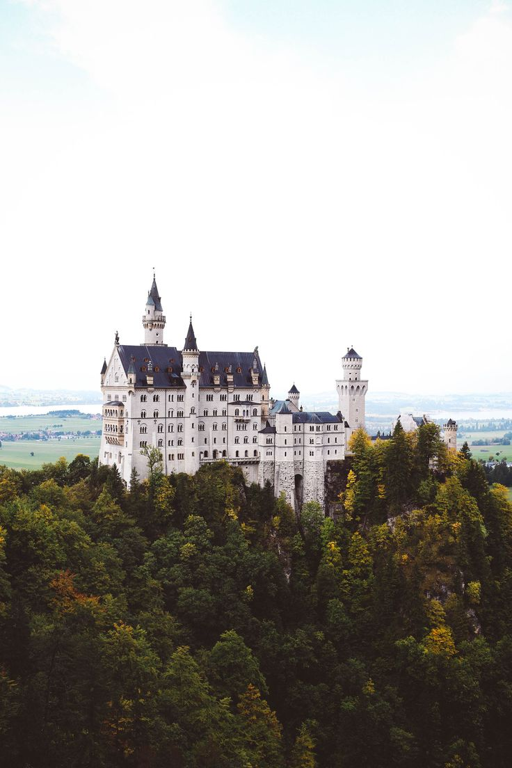 NEUSCHWANSTEIN CASTLE - Disney castle in Germany step-by-step guide on how to travel to Fussen and the castle by train from Munich. Read here: http://whimsysoul.com/neuschwanstein-castle-guide/ #castle #germany #pinksweater