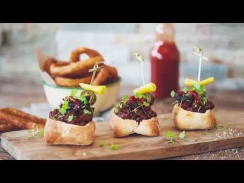 Bunny Chow Sliders with Three Bean Chilli and Burnt Ends - Goodman Fielder Food Service Recipes - YouTube