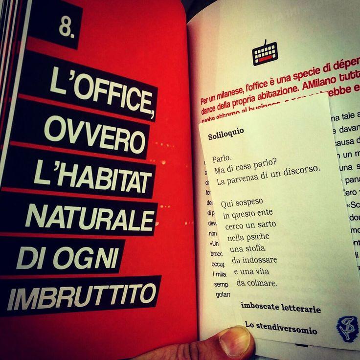 """Una cinquantina d'imboscate letterarie arrivarono sulla Feltrinelli di via Manzoni a Milano. Nella foto tra le pagine de """"Il milanese imbruttito""""."""