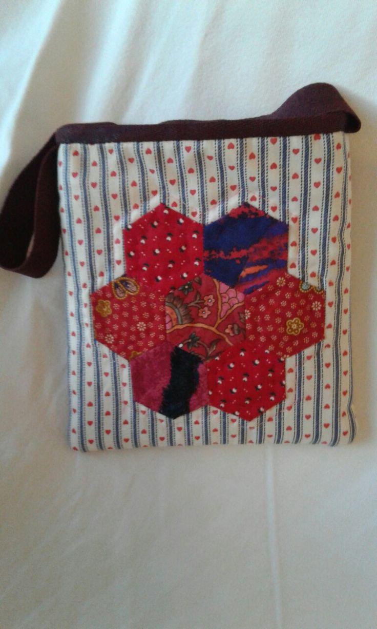 Small red hexagon flower bag R98  ph 082 399 1985