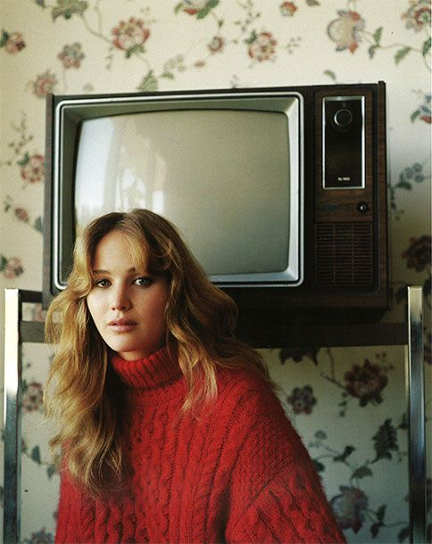 Jennifer Lawrence in Vogue, serving 70s realness.