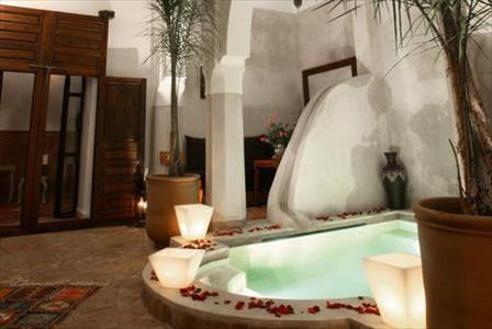 1 nuit dans un #Riad à #Marrakech pour 12€ ça vous tente ? Toutes les #promotions Neckermann sont ici >> http://codepromotion.be/coupon/promos-citytrips-neckermann-1-nuit-des-12e/