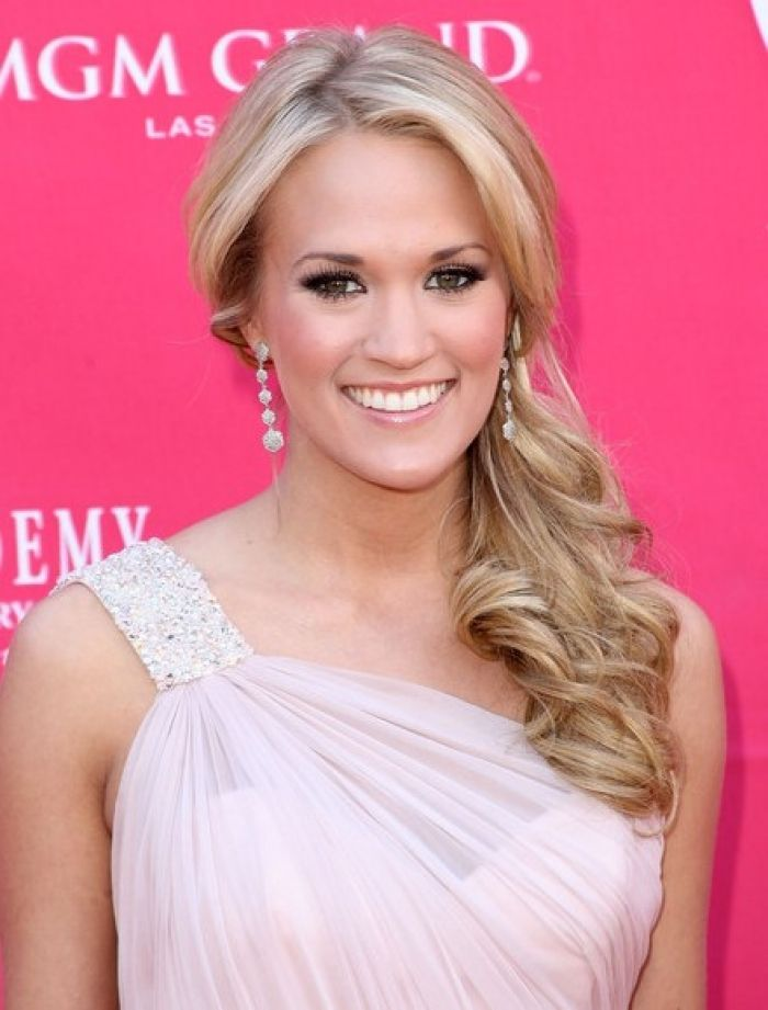 Side Ponytail Prom Hairstyles 2012 Cute Design 440x579 Pixel