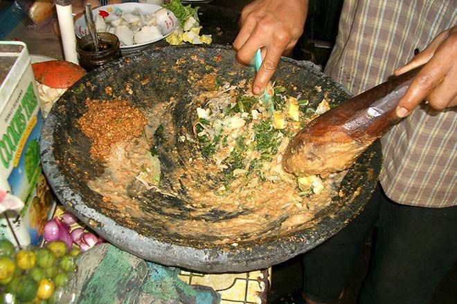 Mengaduk Lotek Padang Resep Masakan Masakan Resep