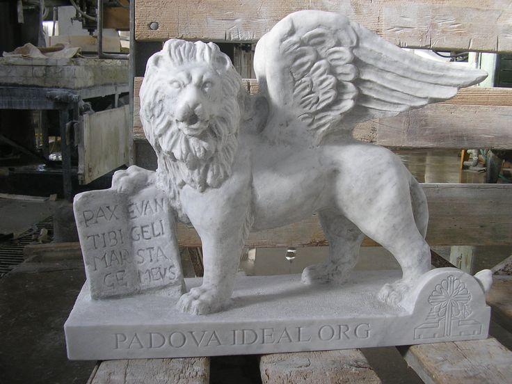 Scultura leone di San Marco realizzato dalla Fornasa Marmi snc www.fornasamarmi.com