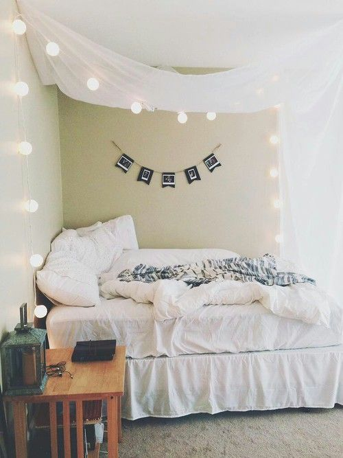 Comfy unconventional canopy bed with lights || @pattonmelo