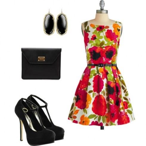 Floral dress for #graduation #outfit