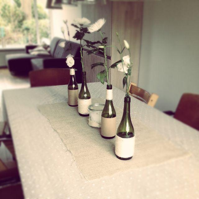 versierde flessen op tafel 4
