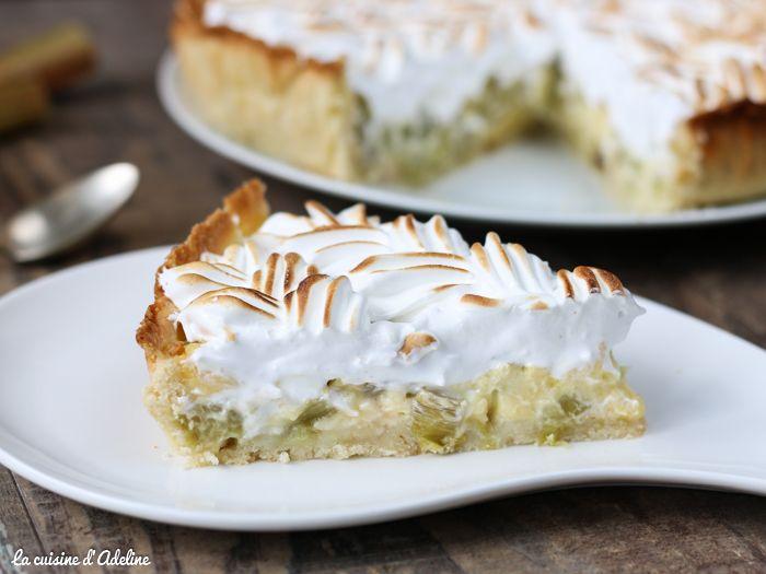 Je vous livre aujourd'hui une recette facile de tarte à la rhubarbe meringuée. J'utilise une pâte brisée sucrée pour réaliser cette tarte.