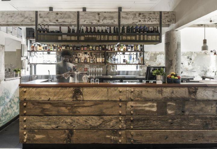 Pi di 25 fantastiche idee su bancone in legno su for Ristrutturare bancone bar