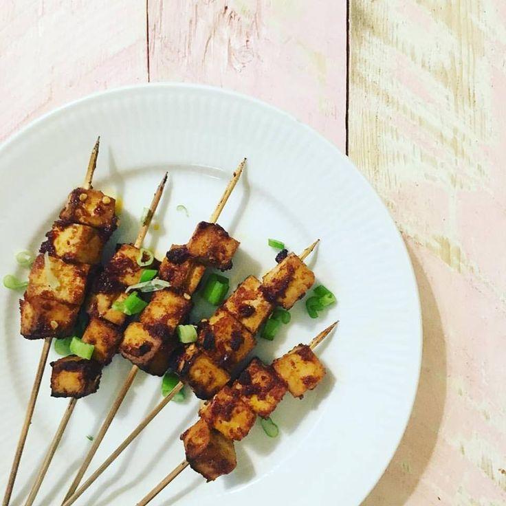 Vegansk grillmad: Spicy tofu-spyd.