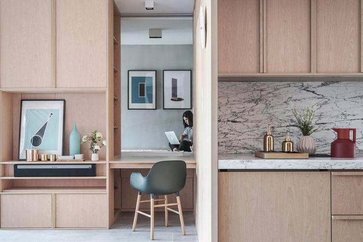 Urządzenie małego mieszkania to prawdziwe wyzwanie dla każdego architekta. Liczy się pomysłowość, oryginalne rozwiązania i dosłownie każdy centymetr! Jak poradzić sobie z małą przestrzenią? Zobaczcie to mieszkanie znajdujące się w Hongkongu.  Za projekt odpowiadają architekc