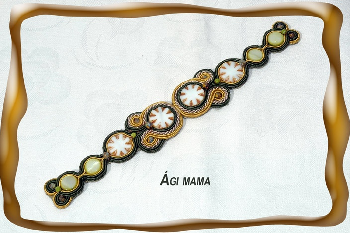 Loving the pattern of this soutache bracelet by Ági mama gyöngyei