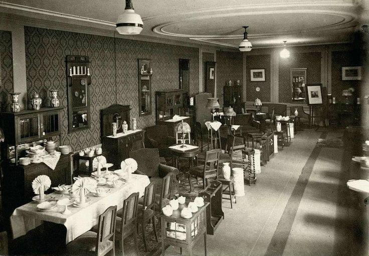 1918 Nieuwendijk showroom meubels NV Hollandia