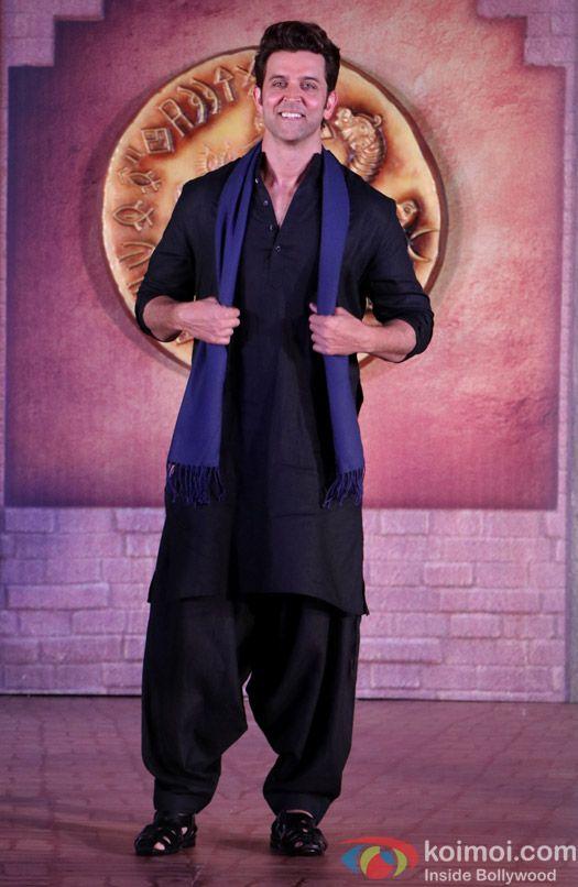 Photos: Hrithik Roshan Introduces His Mohenjo Daro Co-star Pooja Hegde