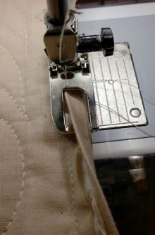 Use this great tip to make machine sewing quilt binding with the Flat felled seam foot #71