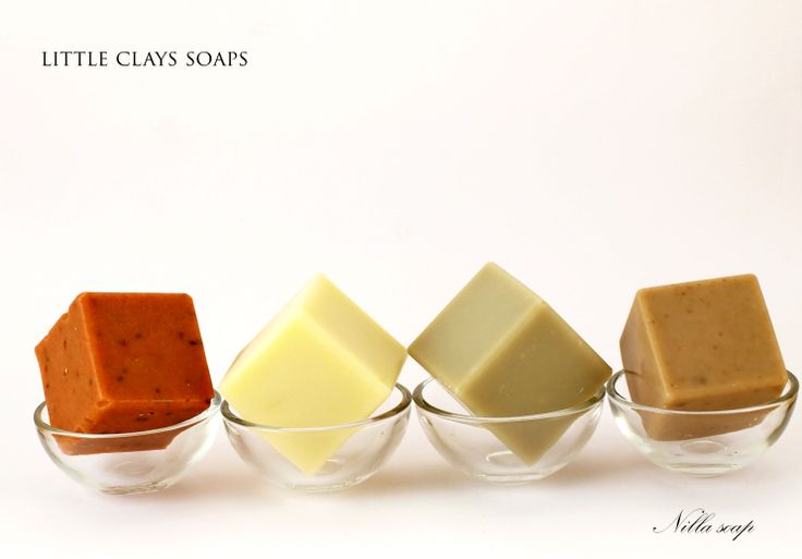 Clays are widely used in soap making. Not only they add color to the soap, they treat the skin. Here is the sample using the red, white and green clays as well as dead sea mud.