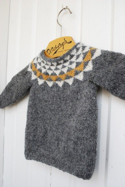 Knitted sweater for kids, by Fröken C. Pattern from pickles.no. 1-12 years