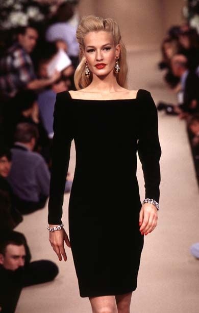 Yves Saint Laurent Haute Couture Spring/Summer 1995 - Gorgeous Simple