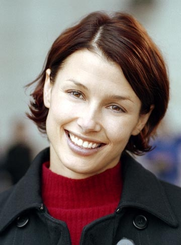 Bridget Moynahan - in The Recruit