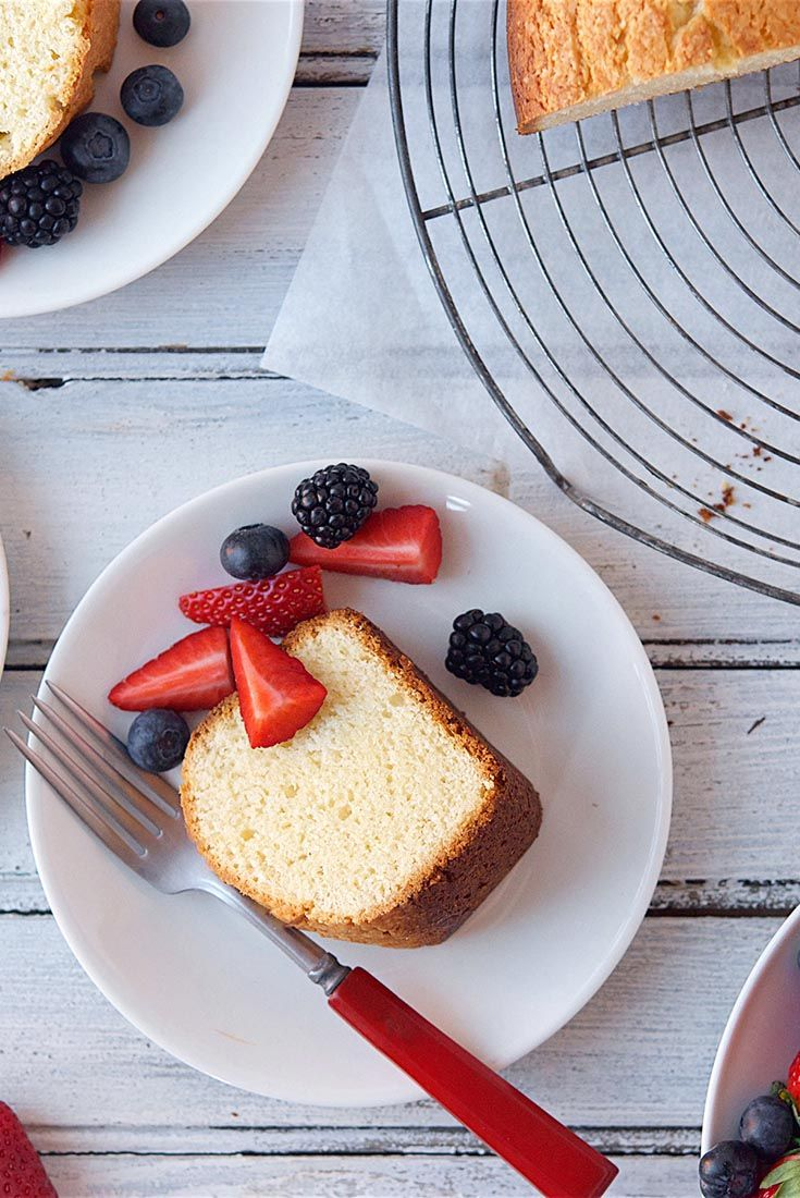 Norwegian Sour Cream Cake Recipe - do half recipe (keep 2 eggs and 2tsp bp) and use gf flour with xanthan gum to make cupcakes (or bake in a loaf pan?)
