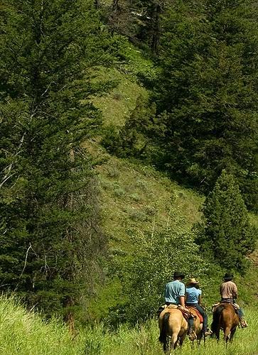 Pahaska Tepee Trail Ride