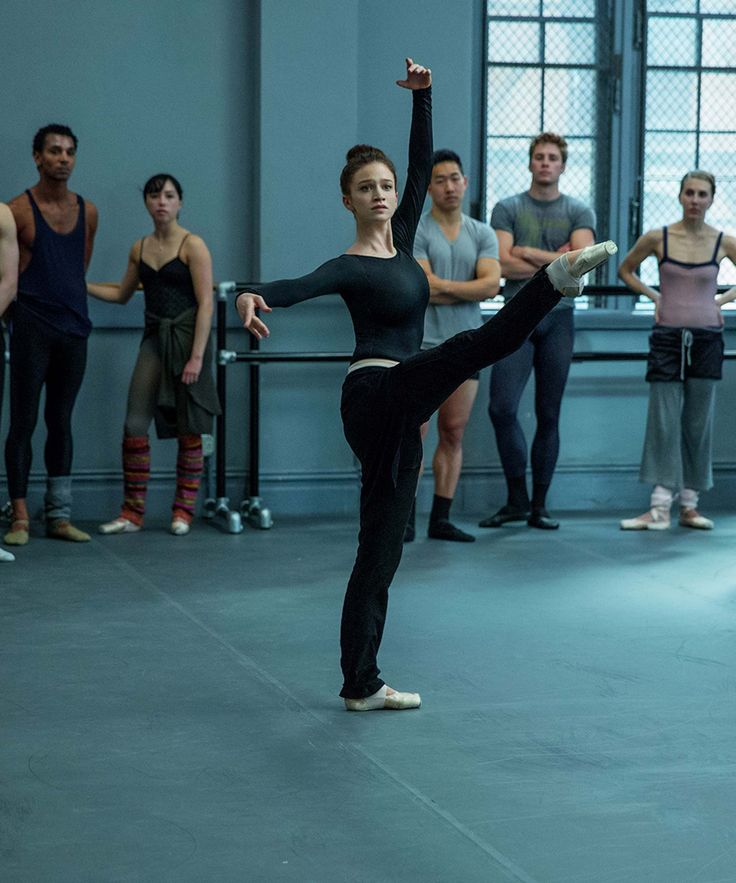"Flesh And Bone Real Ballerinas Review | Real ballet dancers review the Starz limited series ""Flesh and Bone."" #refinery29 http://www.refinery29.com/2015/11/97233/flesh-and-bone-real-dancers-review"