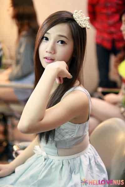 Yoo Ara Hello Venus 2013