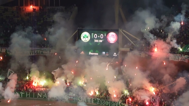 Gate 13 on fire ! Pyromania show in the derby vs Olympiakos
