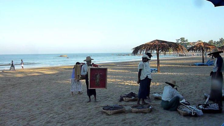 Pathein le matin sur la plage (Myanmar / Birmanie)