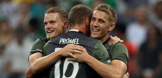 DFB-Team in Euphorie nach dem Halbfinale - 2:0 gegen Nigeria