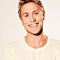 Russell Howard | Famous Comedian. Russell Howard is one of the UK's most successful comedians. His 2011 sell-out arena tour Right Here, Right Now played to more than 300,000 fans including three sold out dates at the 15,000 seater O2 Arena. He will be returning to the stage in 2014 with his latest arena tour, Wonderbox, including four shows at the Royal Albert Hall and a string of international dates.