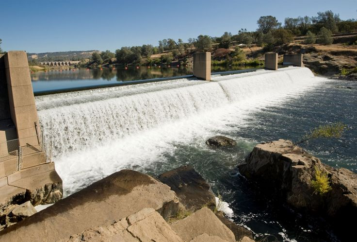 OROVILLE DAM Oroville Dam is situated on the Feather River east of the city of Oroville, California in the United States. It is the tallest dam in the US and serves for water supply, hydroelectricity generation and flood control.