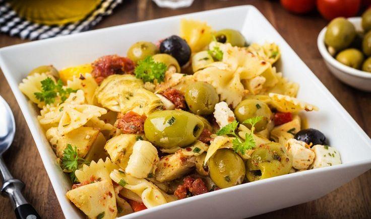 Μεσογειακή σαλάτα ζυμαρικών
